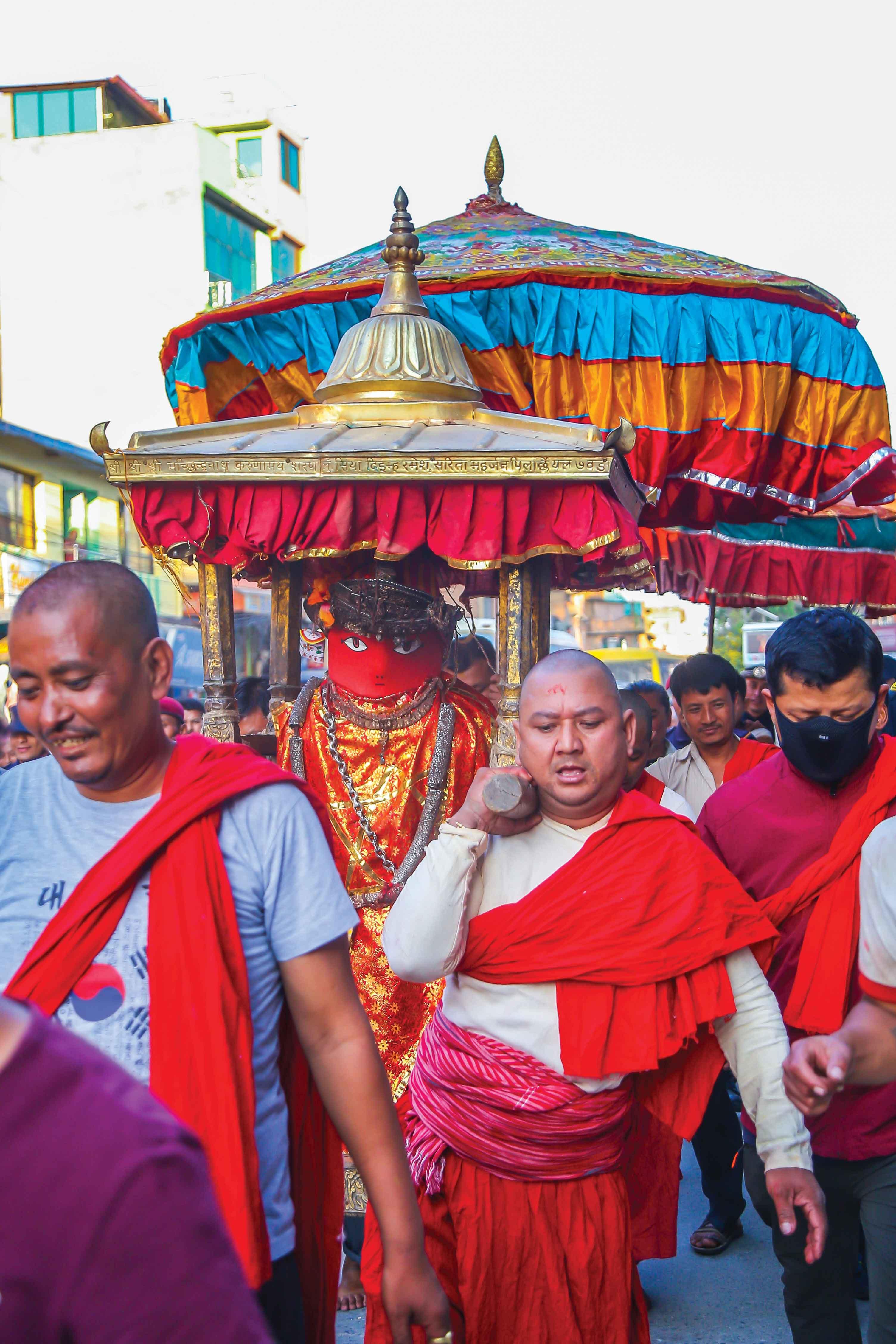 Rato Machhindranath Rath Aarohan – Jatra Starts!