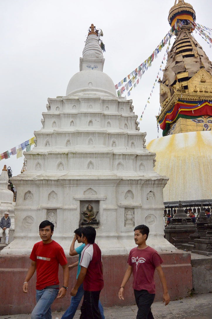 Many Gods  Many Blessings: A Stupa Rebuilt